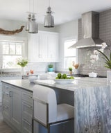 30 Gorgeous Gray Kitchens