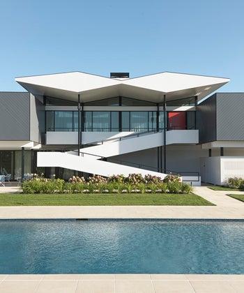 2018 Residential Architect Design Award & AIA/CT Design Award