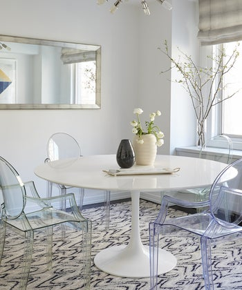 22 Ideas for Styling Acrylic Dining Chairs