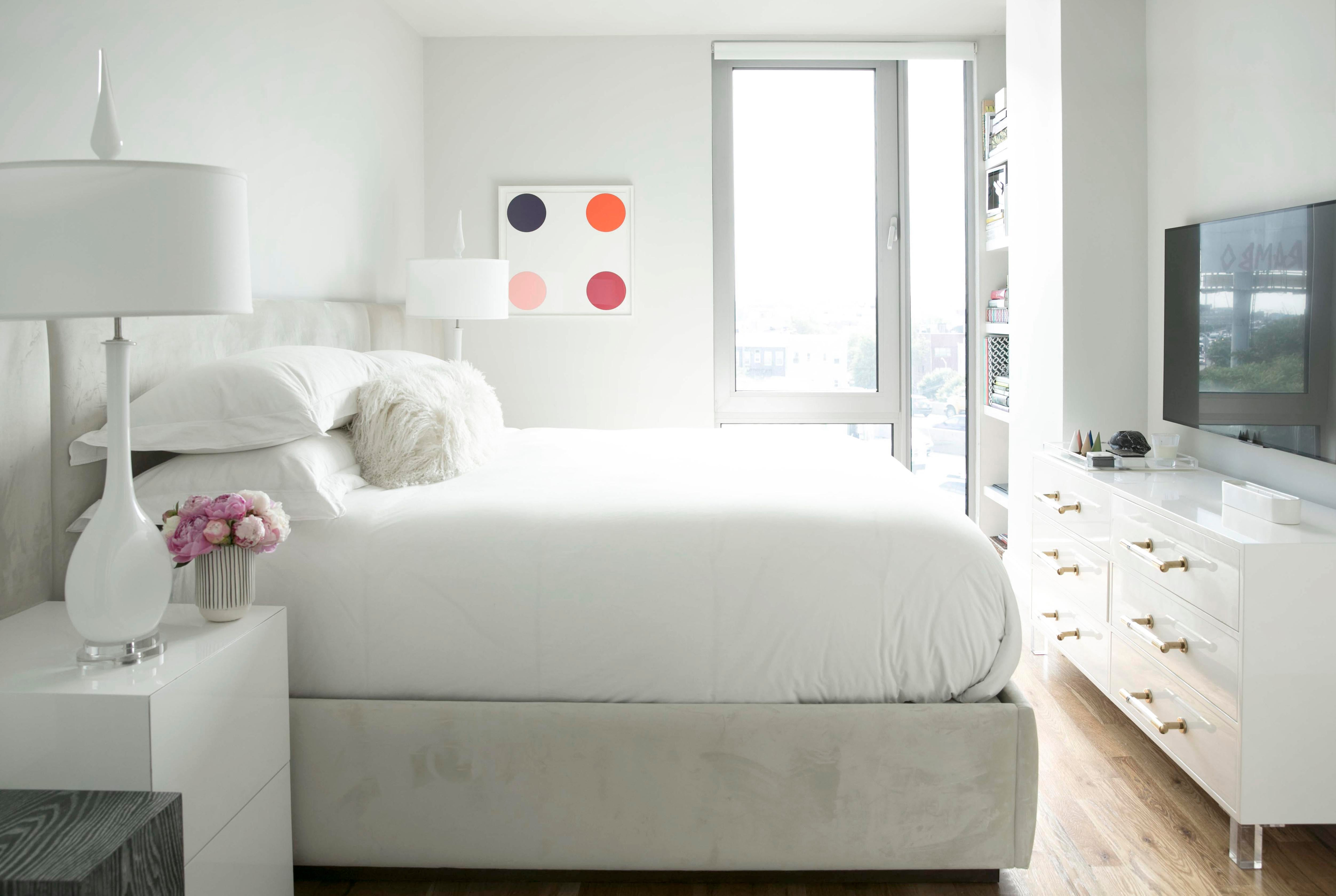 WILLIMABURG BROOKLYN, MASTER BEDROOM Bedroom Contemporary Modern Eclectic  By Cara Woodhouse Interiors LLC