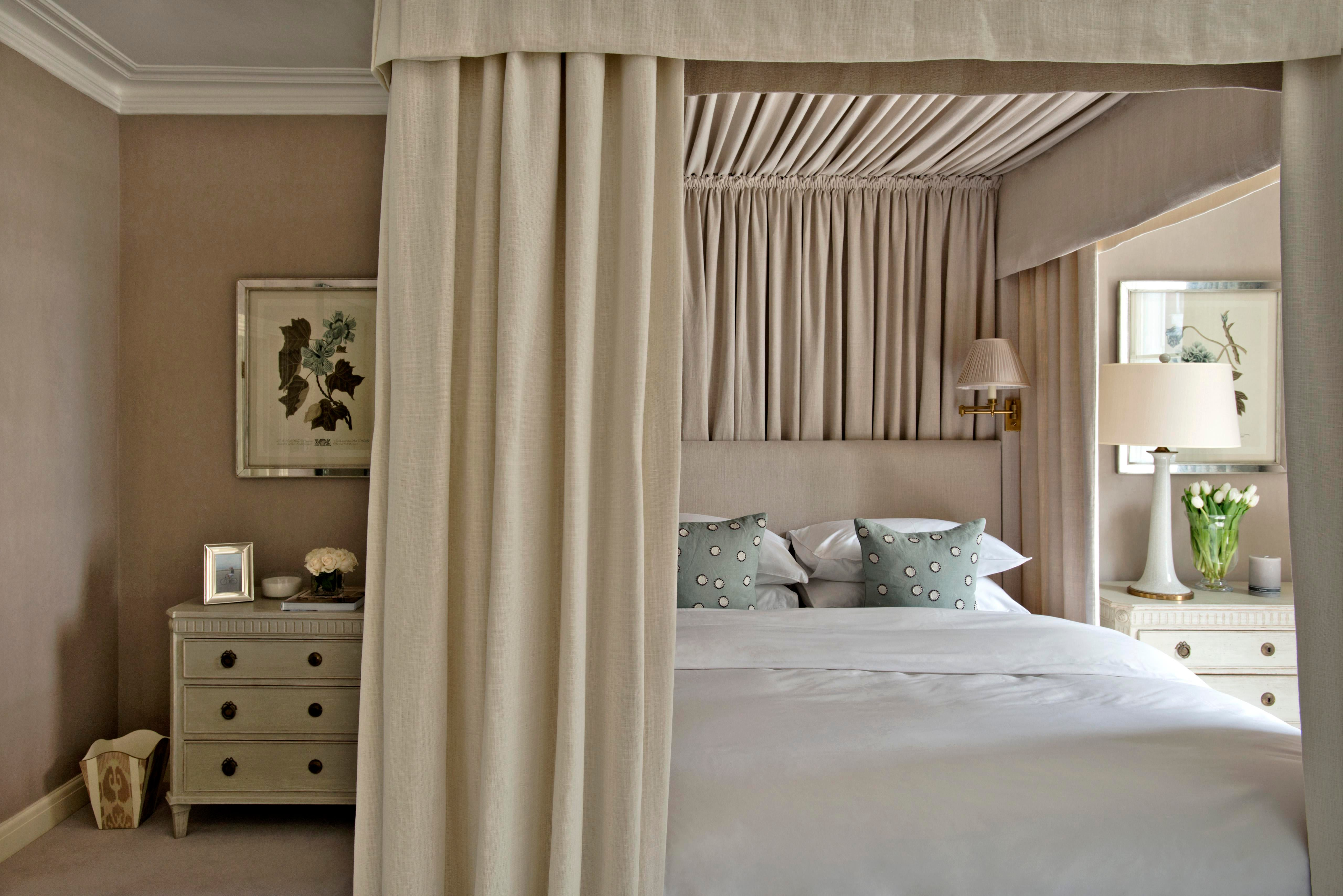 london townhouse guest bedroom by sims hilditch lookbook dering hall rh deringhall com Townhouse Russet Bedrooms Townhouse Floor Plans