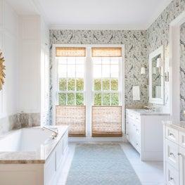 Traditional Master Bathroom