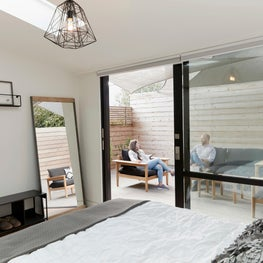 Laidley Cottage, Bedroom and Outdoor Space