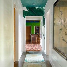 Hallway Ceiling Done In Iridescent Perlata Plaster, Venetian Walls