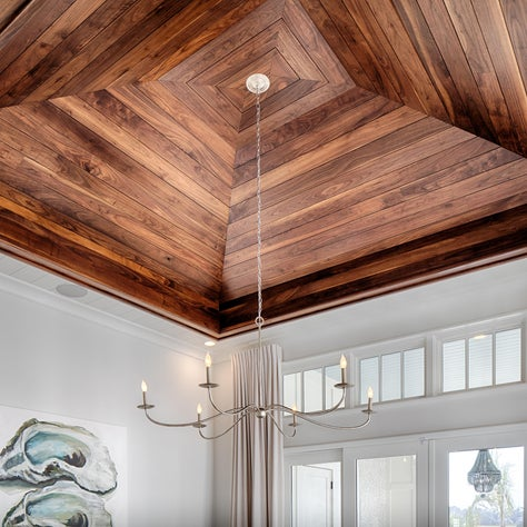 Amazing ceiling detail in the Lowcountry room.