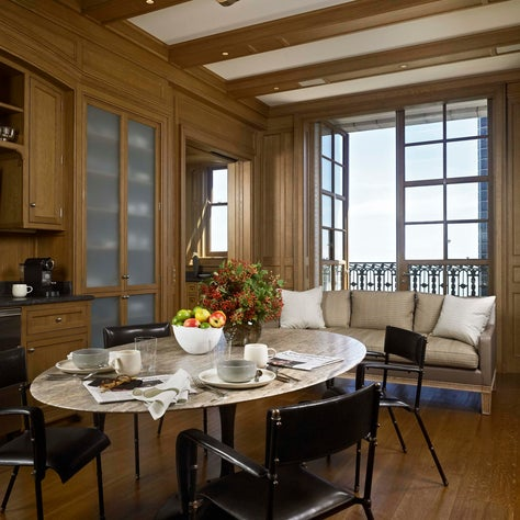 Breakfast Nook of Chicago Lakeside Apartment