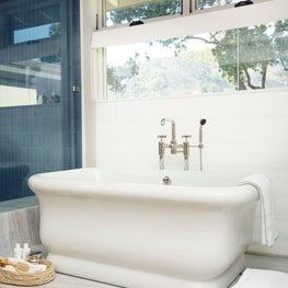 Springs Residence, Master Bath Tub on Marble Platform