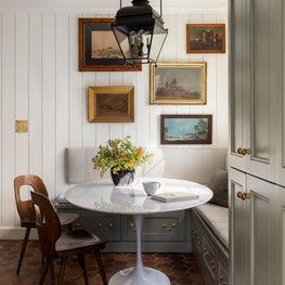 N28 Tudor kitchen nook