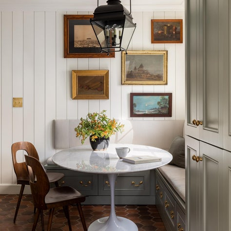 N28 Tudor kitchen nook