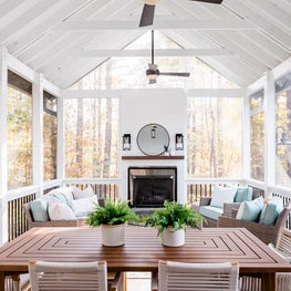 Large screen porch with vaulted ceilling