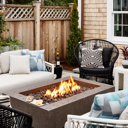 Boutique Hotel Outdoor Area with firepit