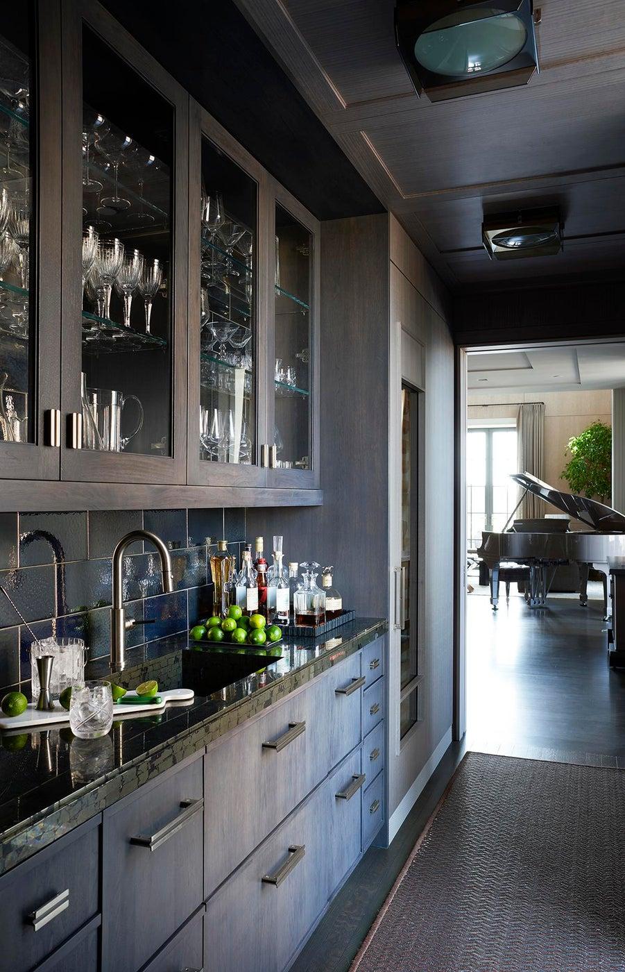 Bar - Downtown Triplex Apartment