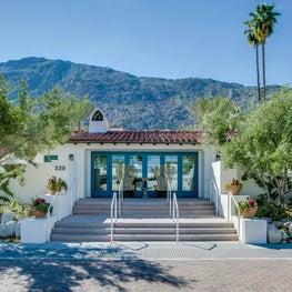 Entry to La Serena Villas Hotel entry
