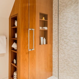 Wellesley Family Home, Guest Bath shower with teak wall with niches