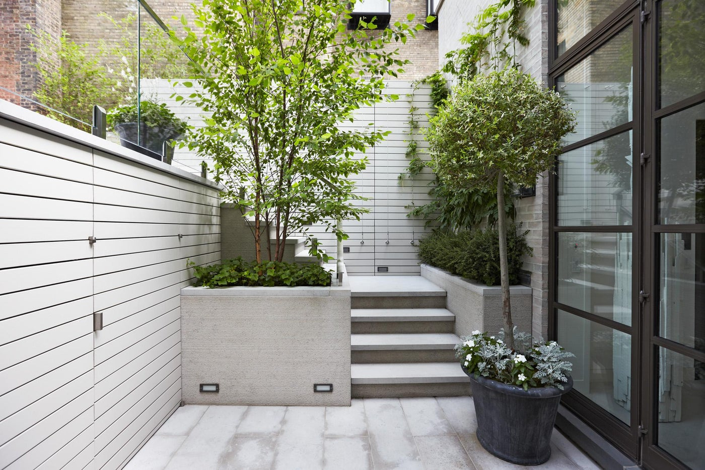 A new roof terrace detail with Landscape Architecture by Hollander Design