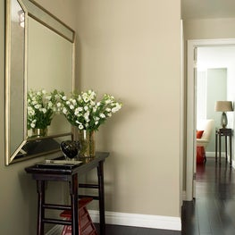 Informal foyer - pied-á-terre, Sutton Place, Manhattan