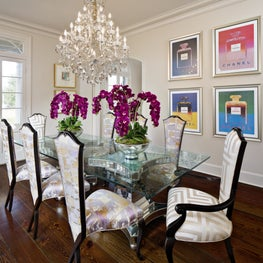Southern Charm, Dining Room