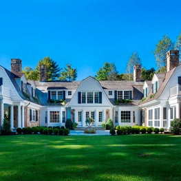 Grand Country House | Weston, MA