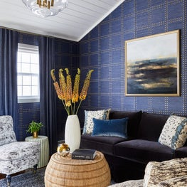 Phillip Jeffries Grasscloth Creates a Cozy Nook