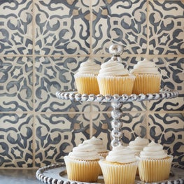 Horse Meadow country house kitchen backsplash of handpainted Walker Zanger tile.