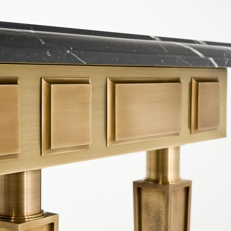 Royal Console Detail