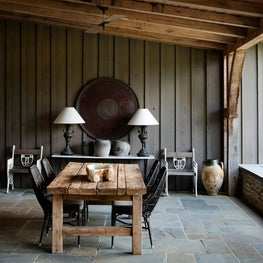Tudor House, outdoor room