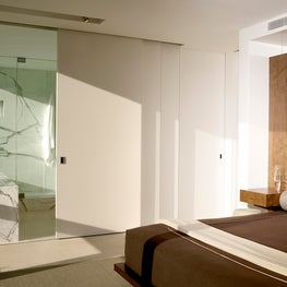Gold Coast Master Bed & Bath Separated by Sliding Panels