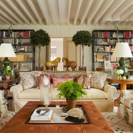 East Hampton Living Room with Bunny Williams Home Tray Chic Ottoman.