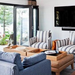 Muskoka Cottage - Family Room