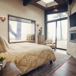 AYI STYLE Beautiful bedroom with fireplace