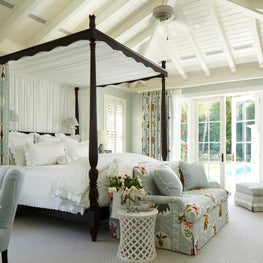 Light and airy bedroom in Palm Beach, in collaboration with Kemble Interiors.