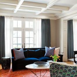 Hoggs Hollow Home - Living Room