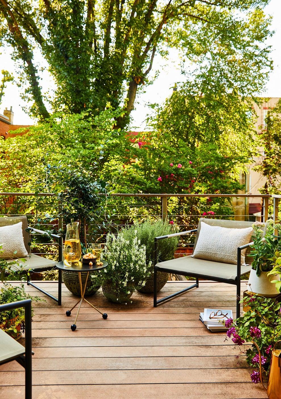 Hudson Street Brownstone I Exterior | Patio | Garden