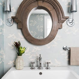 Powder bath with vintage seagull wallpaper