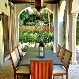 Outdoor dining with moroccan lanterns