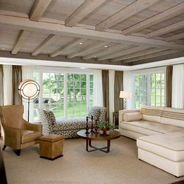 Family Room at Windermere on the Lake in CT