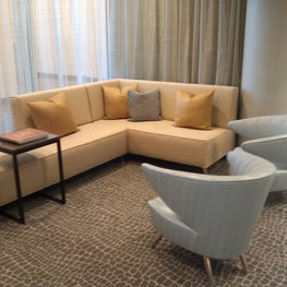 Portland, OR: Interventional and Vascular Consultants PC paitent's waiting room