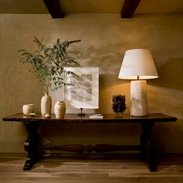 16th century Renaissance table is given new life in this spacious country home