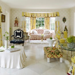 Country sitting room meant to bring cheer