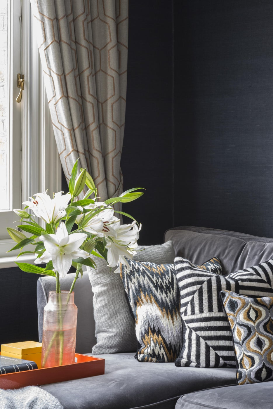 Brook Green Apartment, London - Copper curtain details and monochrome cushions