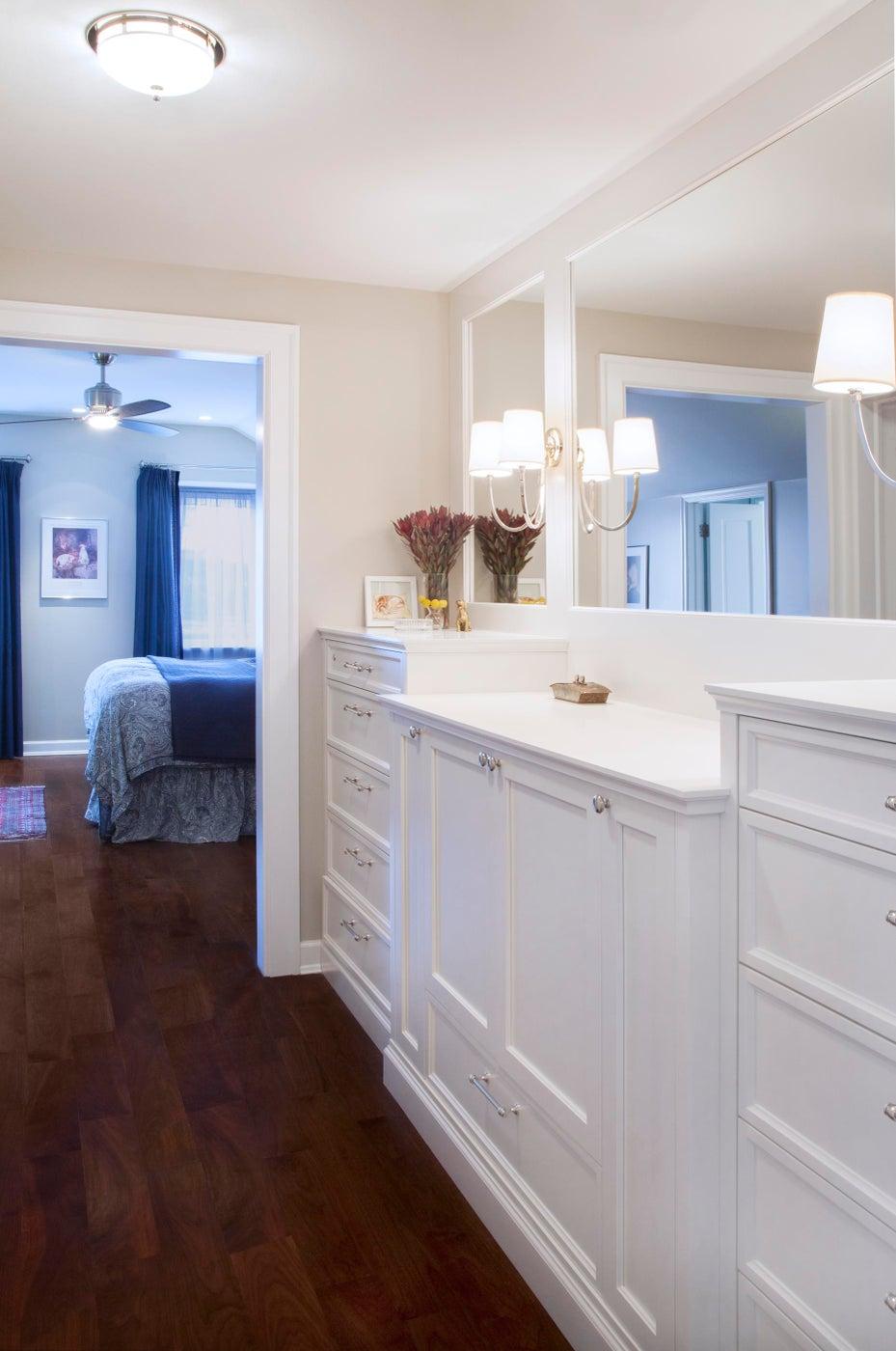 Master Bedroom Valet Cabinet Detail