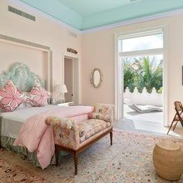 Lyfrod Cay Master Bedroom in Pastel Tones