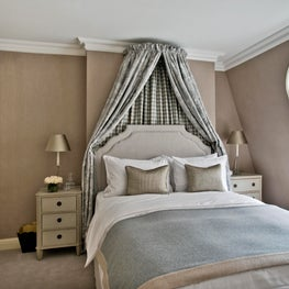 London Townhouse Guest Bedroom