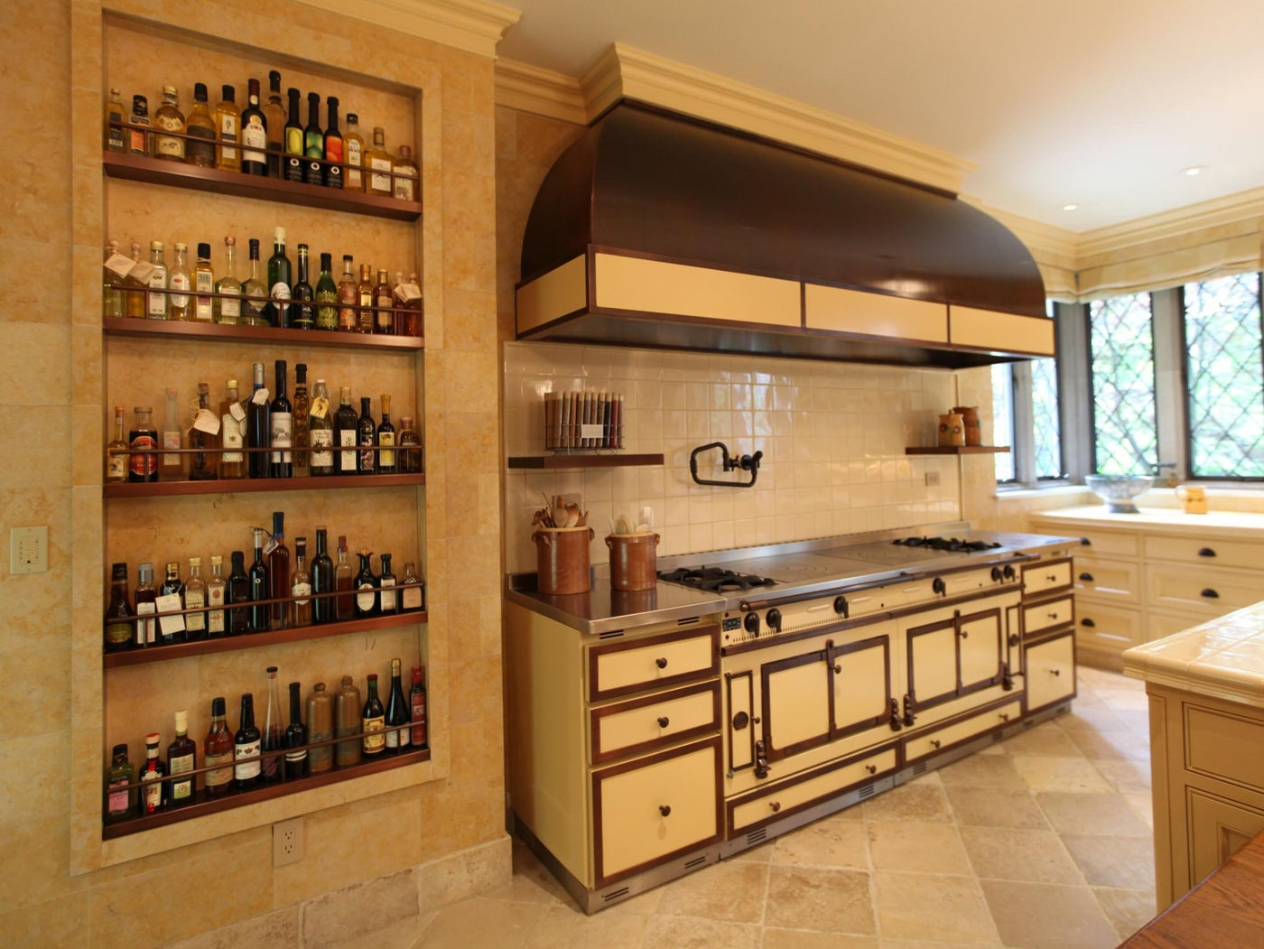 Making your kitchen space ingeniously accommodate everything you need.