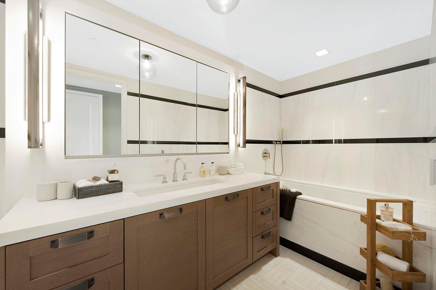 Central Park Residence, Bathroom