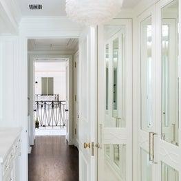 Residence in Houston, Girl's Dressing Room