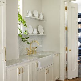Farmhouse Apron Sink in NYC Apartment