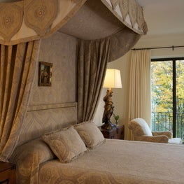 Country House Master Bedroom A