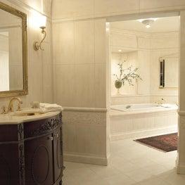 Michigan Summer Home / Guest House Bathroom