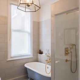 Brook Green Apartment, London - Master bathroom with brass details